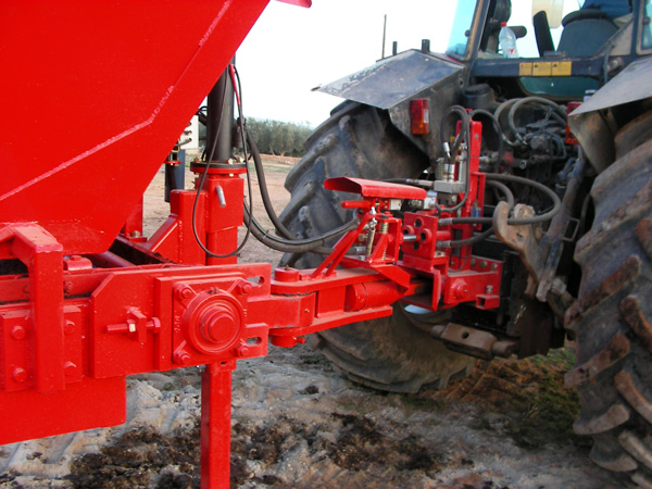maquinaria-agricola-localizarores-estiercol-esparcidor-18
