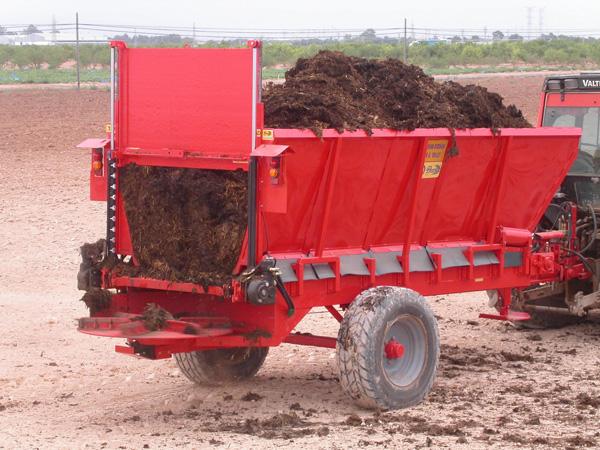 maquinaria-agricola-localizarores-estiercol-esparcidor-20