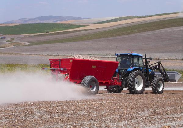 maquinaria-agricola-localizarores-estiercol-esparcidor-23