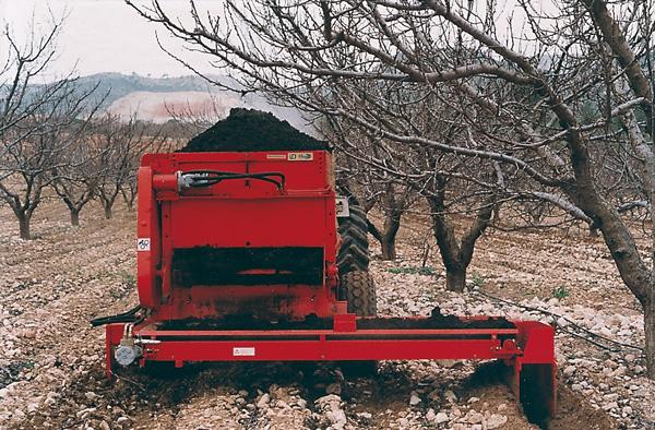 maquinaria-agricola-locanizador-estiercol-20