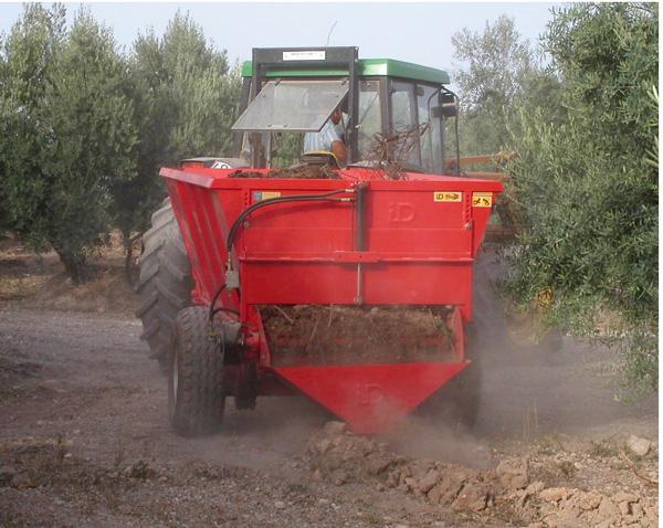 maquinaria-agricola-locanizador-estiercol-22