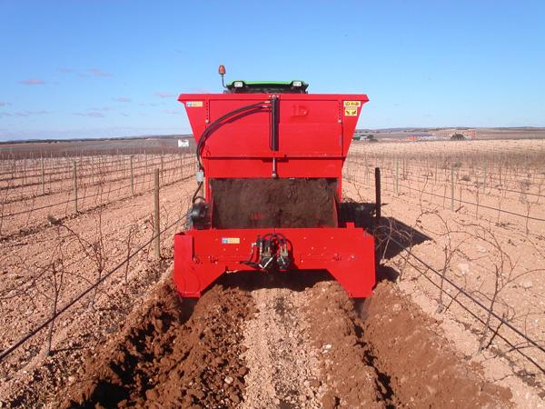 maquinaria-agricola-locanizador-estiercol-24
