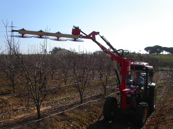 maquinaria-agricola-prepodadora-arboles-12