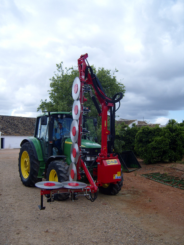 maquinaria-agricola-prepodadora-arboles-25