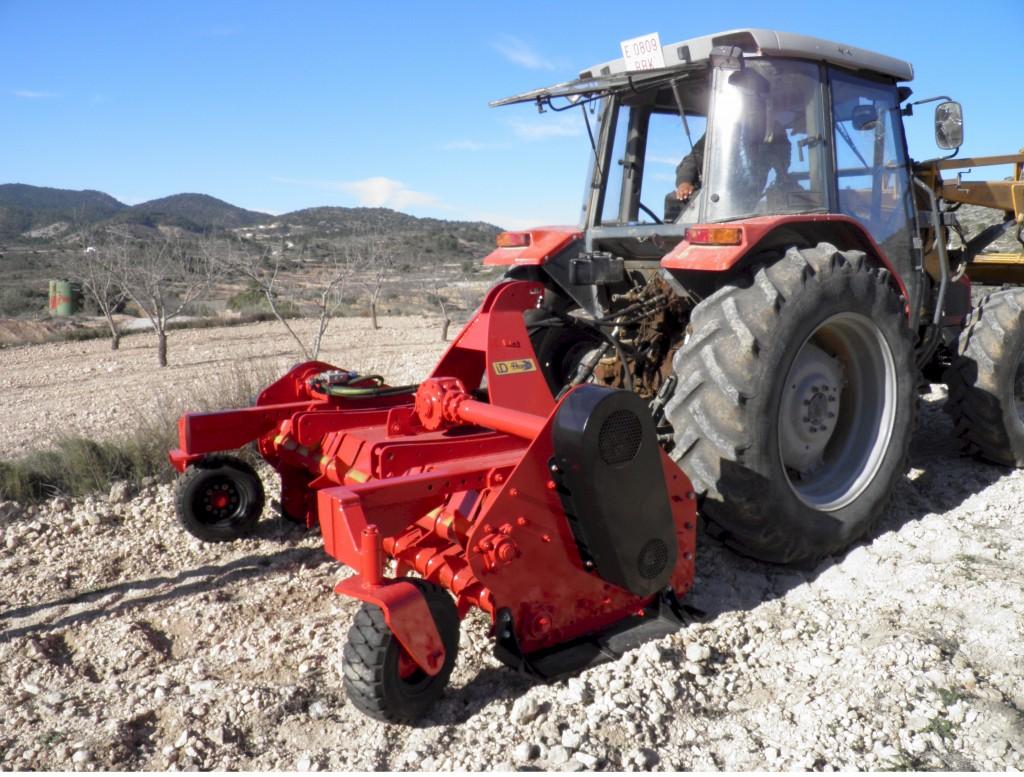 maquinaria-agricola-tirturadora-superolivo-2