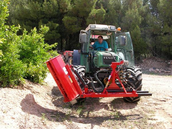 maquinaria-agricola-trituradora-desbrozadora-reforzada-11