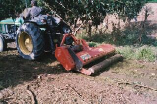 maquinaria-agricola-trituradora-desbrozadora-reforzada-16