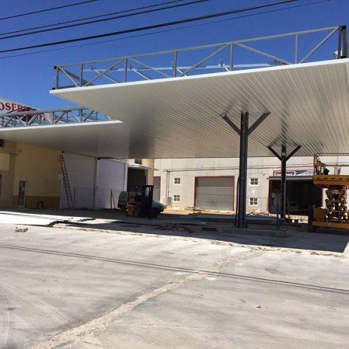 Marquesina gasolinera en Iniesta (Cuenca)